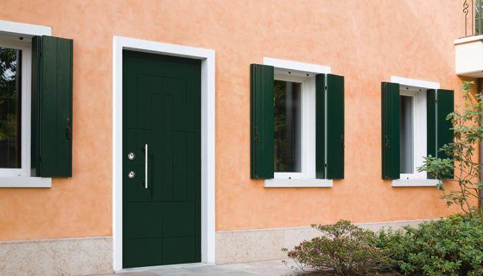 фасад входной двери